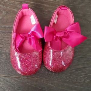 SOLD Baby Girls Pink Bow Shoes